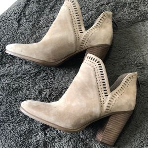 Vince Camuto size 8.5 gently used bootie